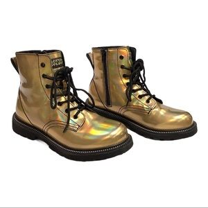 Gotta Flurt Gold metallic ankle lace up Boots, 6.5